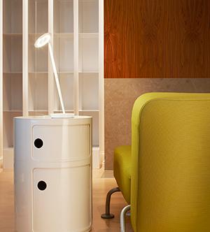 Lámpara de estudio Pixo by Design House Stockholm, especial para regalar en el Día del Padre