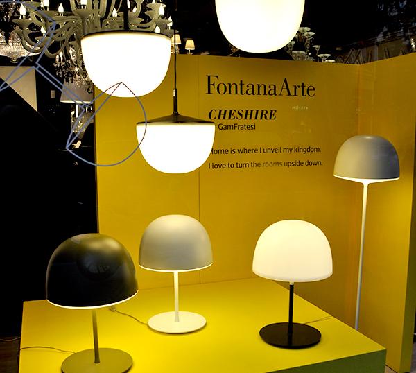 familia-cheshire-de-Fontana-Arte-en-el-escaparate-de-Biosca