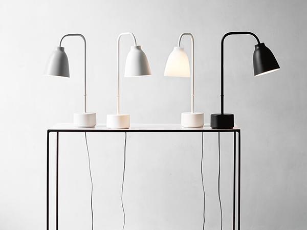 caravaggio_read_lamp
